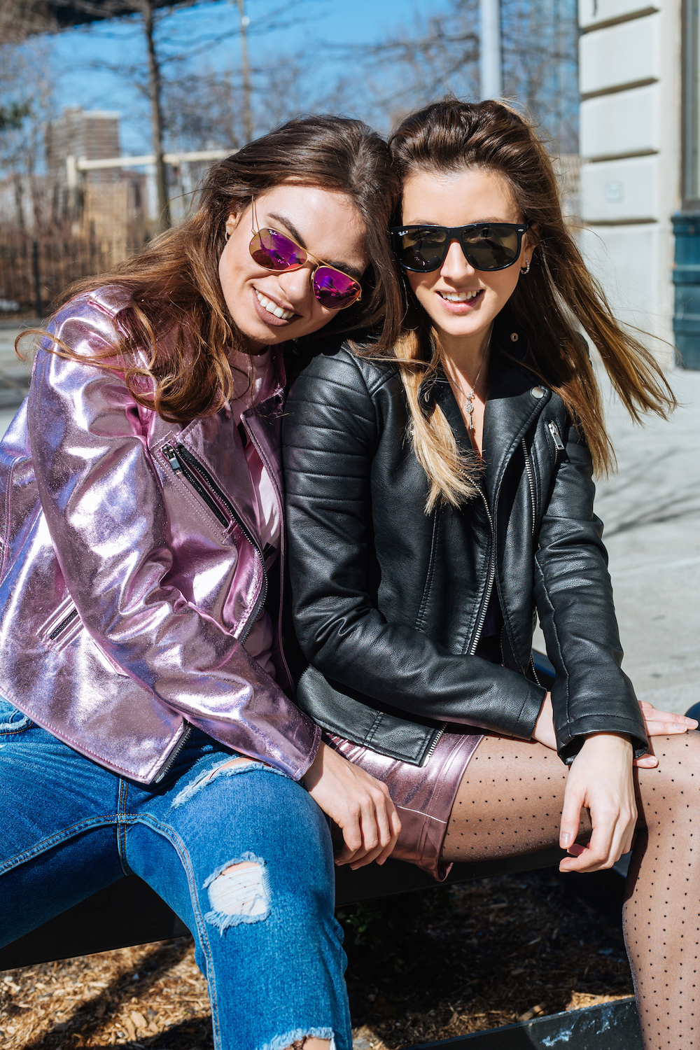 fashion-blogger-pink-look-nyc-allbuenothings-pinktrend-vinyl-bff-bffgoals-besties