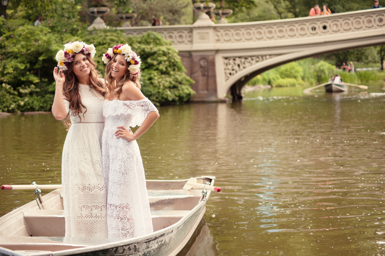 boat-centralpark-boatrides-fashion-crown-flowercrown-beauty-nature-bff-allbuenothings